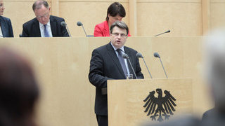 Foto: Staatsminister Prof. Dr. Winfried Bausback (Bayern)