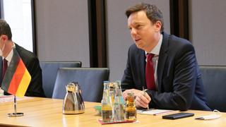 Foto: Tobias Hans im Gespräch