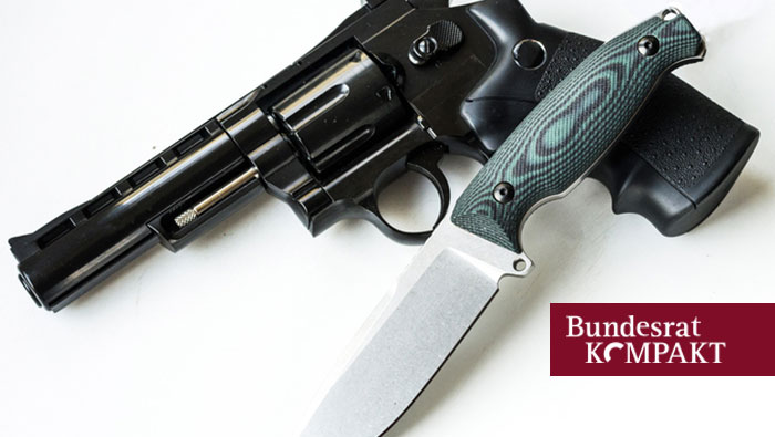 Bundesrat-Bild mit Revolver und Messer